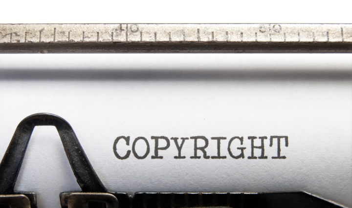 Copyright getypt op oude typmachine